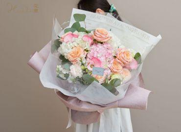 【零基础花艺学习】特殊色玫瑰混搭花束,给你最温柔隽永的爱